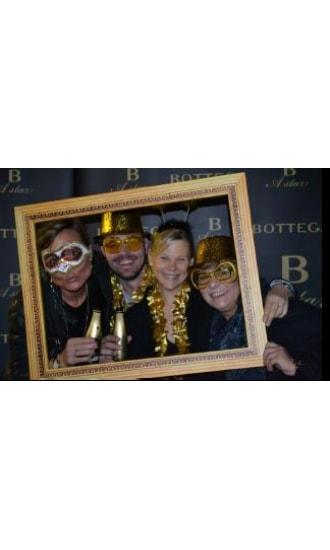 Bottega Gold Selfie Frame 50x70cm
